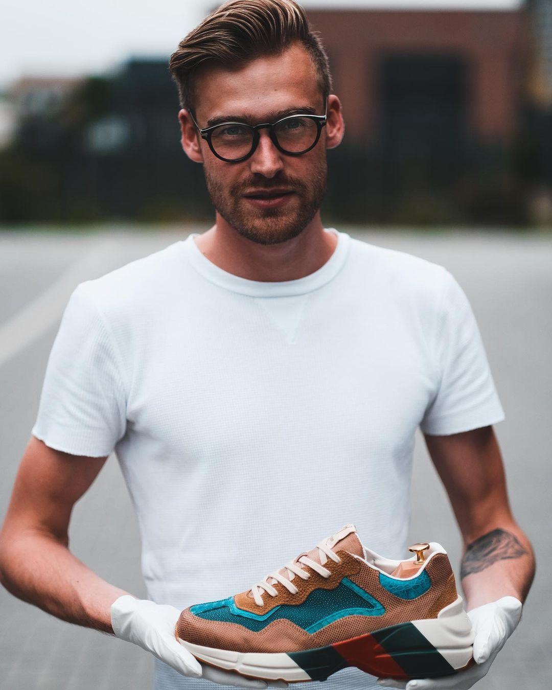 Photographer-Roel Oosterwijk-photo-of-Roel-van-Hoff-Founder-of-Sneakersschool