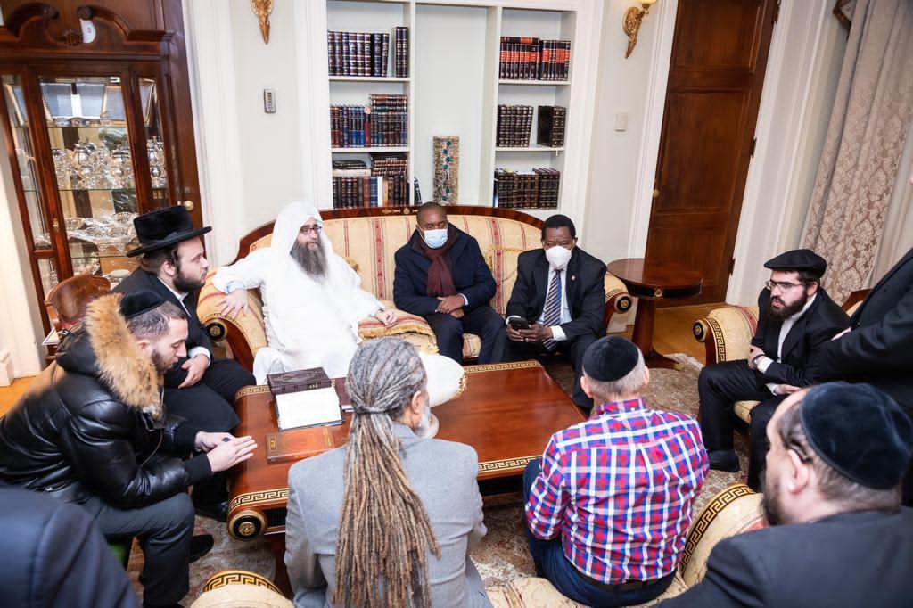 Meeting-with-Rabbi-Pinto